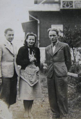 """Od lewej: Zbigniew Pajor, Antonina """"Nina"""" Małasińska i Józef Stanek """"Józek"""", """"Lis"""""""
