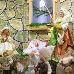 Narodził się Bóg, Dziecina!